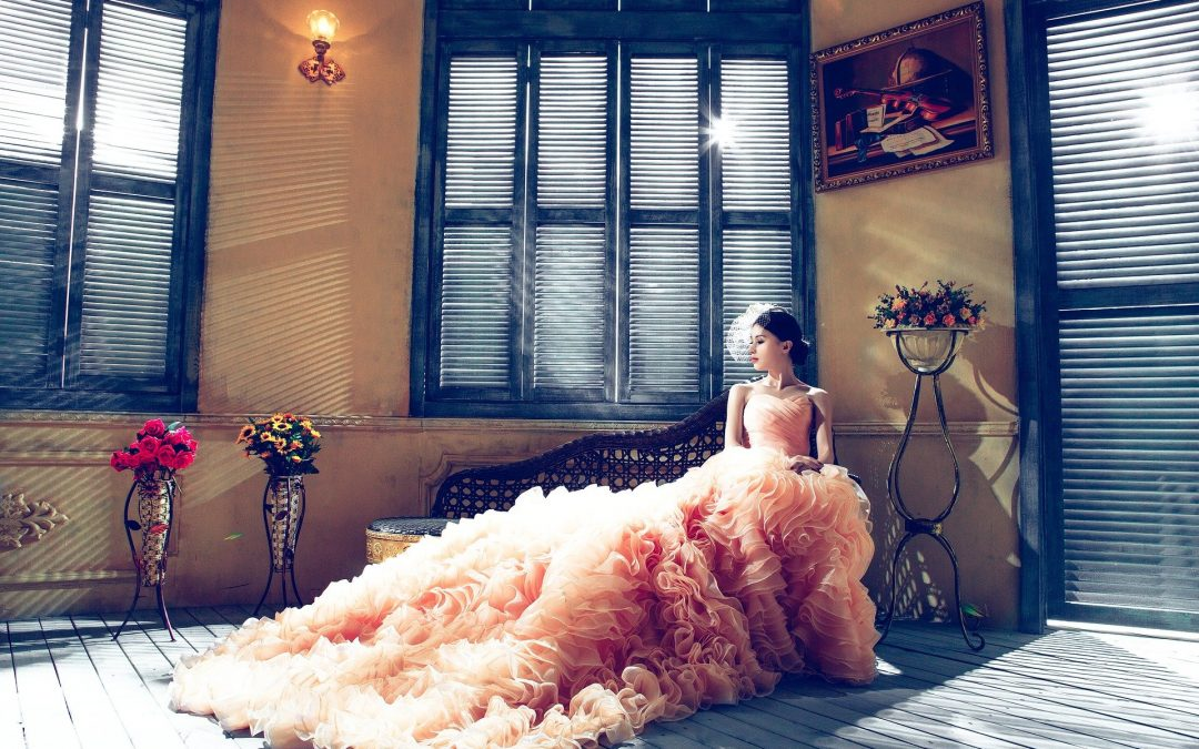 How to Choose the Perfect Bridal Shower Dress for Bride