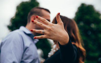 20 Engagement Announcement Ideas We Love