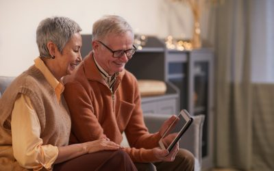 Top 15 Gifts for First Time Grandparents